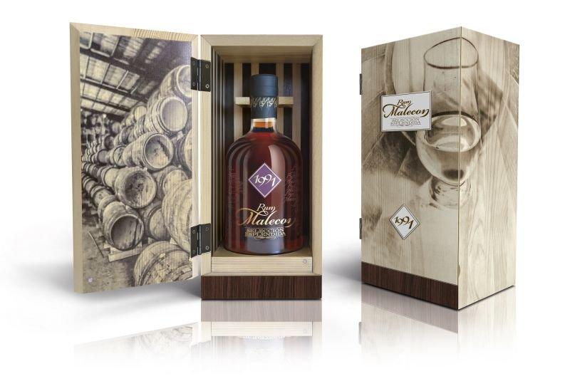 Rum Malecon Selección Esplendida 30y 1991 0,7l 40% Dřevěný box / Rok lahvování 2021